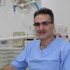 دكتور  محمد قطيفان  اخصائي زراعة الاسنان  الروضة